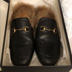 Gucci Princetown leather mule with fur